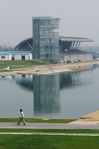 图文:北京顺义奥林匹克水上公园 赛艇观众看台