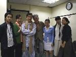 杜可风与《暗恋桃花源》大陆版演员在后台合影