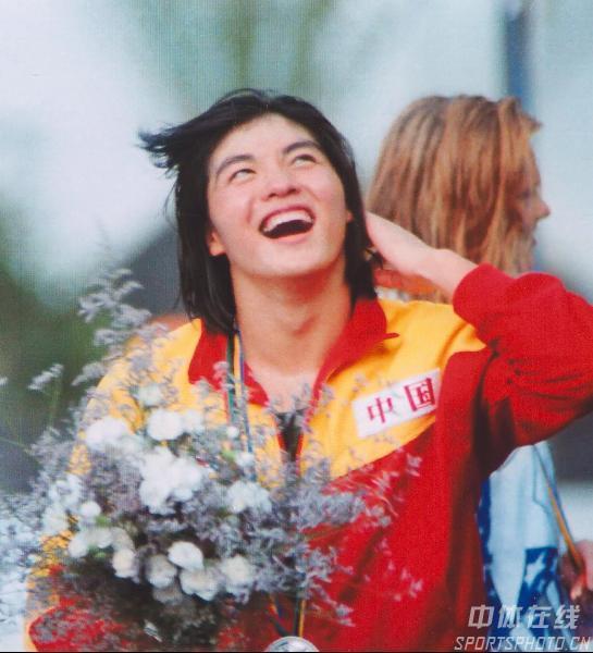 图文:92年巴塞罗那奥运会 庄泳100米自由游金牌