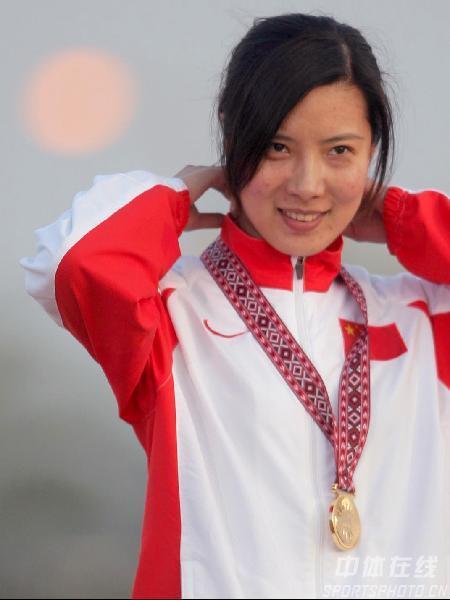 图文:2006年多哈亚运会 10米气步枪杜丽再夺冠