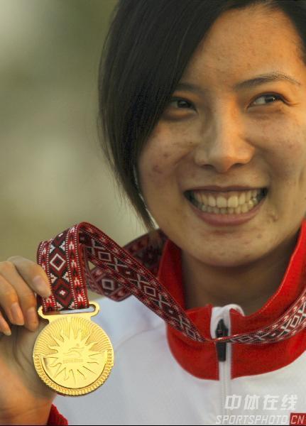 图文:2006年多哈亚运会 杜丽发威勇夺10米冠军