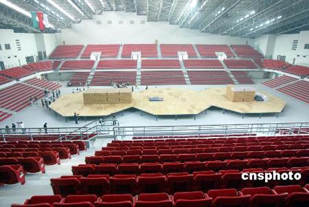 图文:农业大学体育馆工程收尾 场馆内部