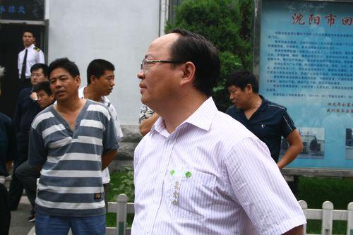 图文:王洪礼葬礼举行 韩公政参加葬礼