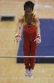 图文:体操世界杯上海站 邹凯准备抓杠