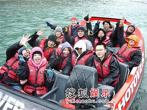 图:赵薇新西兰之旅-快艇漂流惊险刺激