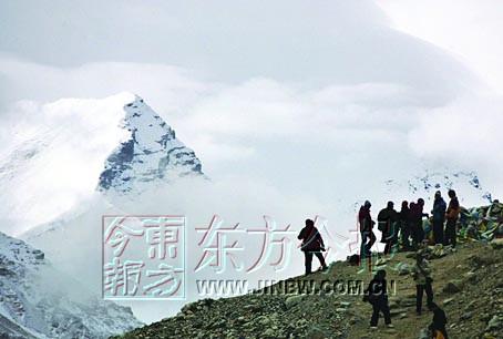 天路艰险29名勇士终达巅峰  巅峰之旅画上圆满句号