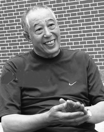 老爷子的音容笑貌仍留在我们的脑海中
