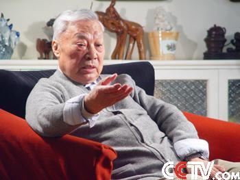 贾若瑜是中国人民解放军军事博物馆首任馆长
