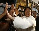 图文:中国巨人亮相好莱坞 成龙笑容灿烂