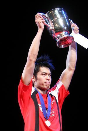 图文:2008奥运希望之星羽毛球林丹 全英赛夺冠