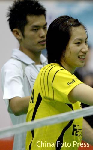 图文:2008奥运希望之星羽毛球谢杏芳 搭档林丹