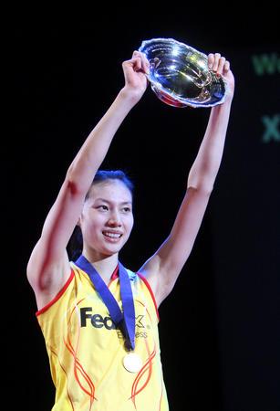 图文:2008奥运希望之星羽毛球谢杏芳 全英夺冠