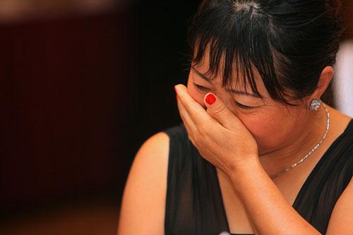 图文:国奥亲友见面会 陈涛母亲欣慰的泪水
