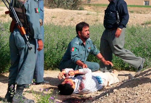 7月31日,阿富汗警方在加兹尼省找到被塔利班杀害的第二名韩国男性人质的尸体。