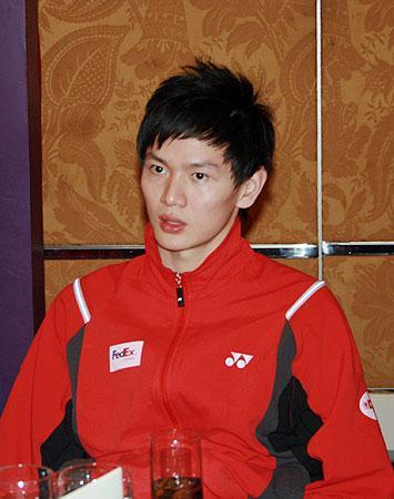 图文:2008奥运希望之星羽毛球鲍春来 文静个性