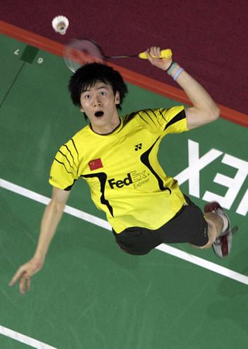 2008奥运希望之星羽毛球鲍春来 跃起劈杀