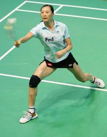 图文:2008奥运希望之星羽毛球张宁 带伤也上阵