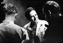 图:1963年伯格曼在瑞士电视台接受采访