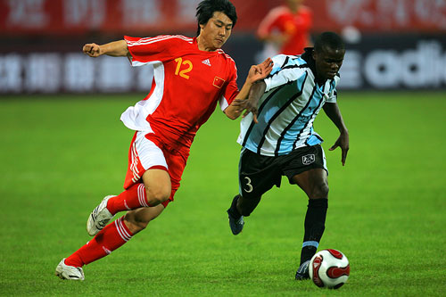 图文:[四国赛]国奥2-0博茨瓦纳 李微后来居上