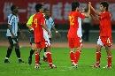 图文:[四国赛]国奥2-0博茨瓦纳 连鲁大将庆功