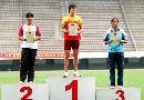 图文:全国田径锦标赛首金 领奖台上前三甲