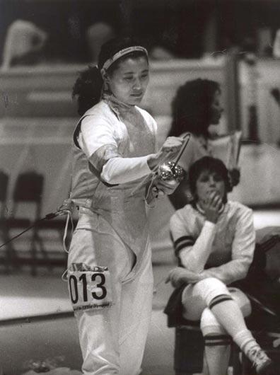 图文:1984-1996现役奥运冠军 栾菊杰飒爽英姿