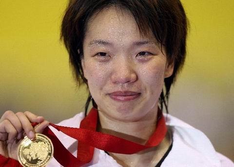 图文:2004年现役奥运冠军 世锦赛陈中大满贯
