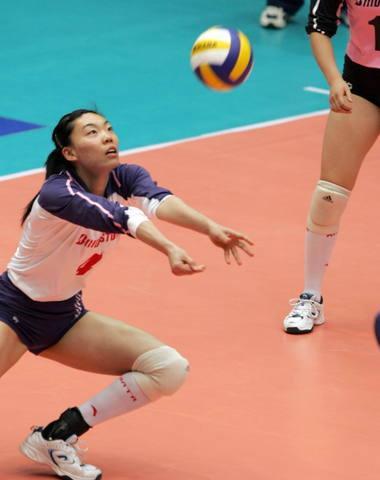 图文:2004年现役奥运冠军 张萍比赛中