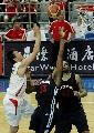 图文:[斯杯]中国男篮VSNBDL 杜芳雨见缝插针
