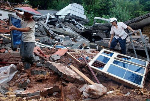 2007年8月2日,重庆市云阳县盘龙镇滑坡现场