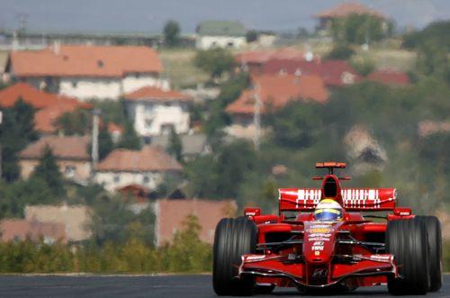 图文:[F1]匈牙利站次回练习 马萨进行练习