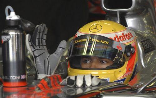 图文:[F1]匈牙利站末次练习 汉密尔顿等待出发