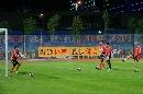 图文:[四国赛]国奥备战中朝战 教练也来秀脚法