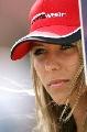 图文:[F1]匈牙利大奖赛美女 注视前方