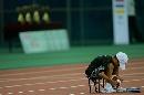 图文:[四国赛]国奥0-1朝鲜 场边球童