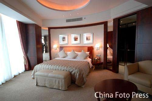 图文:姚明叶莉上海完婚 酒店豪华卧室