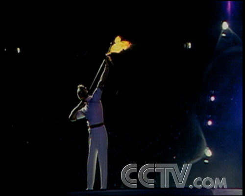 图文:CCTV《同一个梦想》 巴塞罗那奥运开幕式