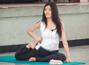吴晓婷是岛内唯一拥有瑜伽证照且开班授徒的司法官。