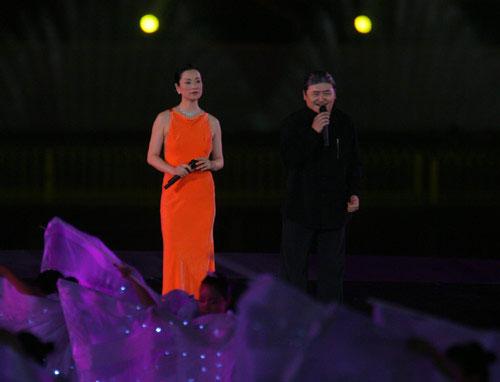 图文:奥运倒计时一周年晚会 刘欢毛阿敏演唱