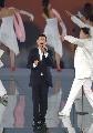 图文:北京邀请世界 刘德华在活动现场演唱歌曲