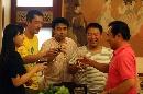 图文:奥运家庭游北京 祝福寿星生日快乐