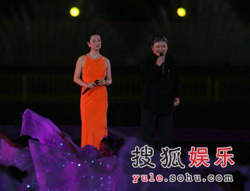图:奥运倒计时晚会现场 刘欢毛阿敏献唱