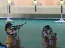图文:中国射击队奥运选拔赛 两名选手跃跃欲试