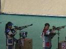 图文:中国射击队奥运选拔赛 两名选手瞄准射击