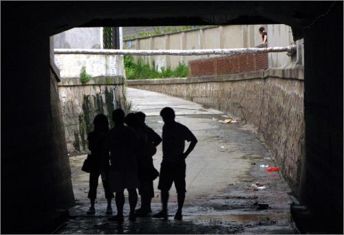 发生积水溺亡事故的绥德路175弄隧道