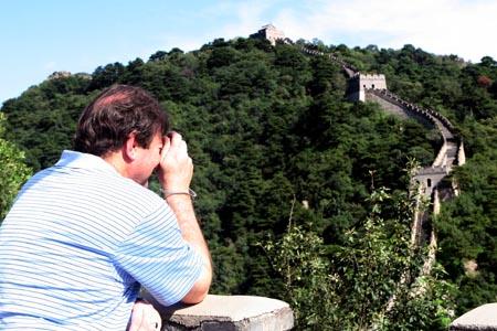 图文:奥运家庭10强游北京 长城的没让外国家庭震撼