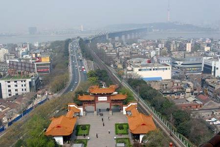 武汉长江大桥 来源:CFP
