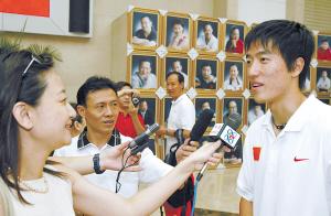 只要在公开场合露面,刘翔就得回答关于北京奥运会的问题。