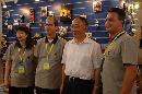 图文:中国体育用品博览会 刘鹏与参展人员合影