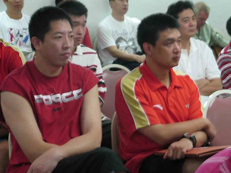图文:[CBA]CBA外援选秀营 胡卫东和闵鹿蕾